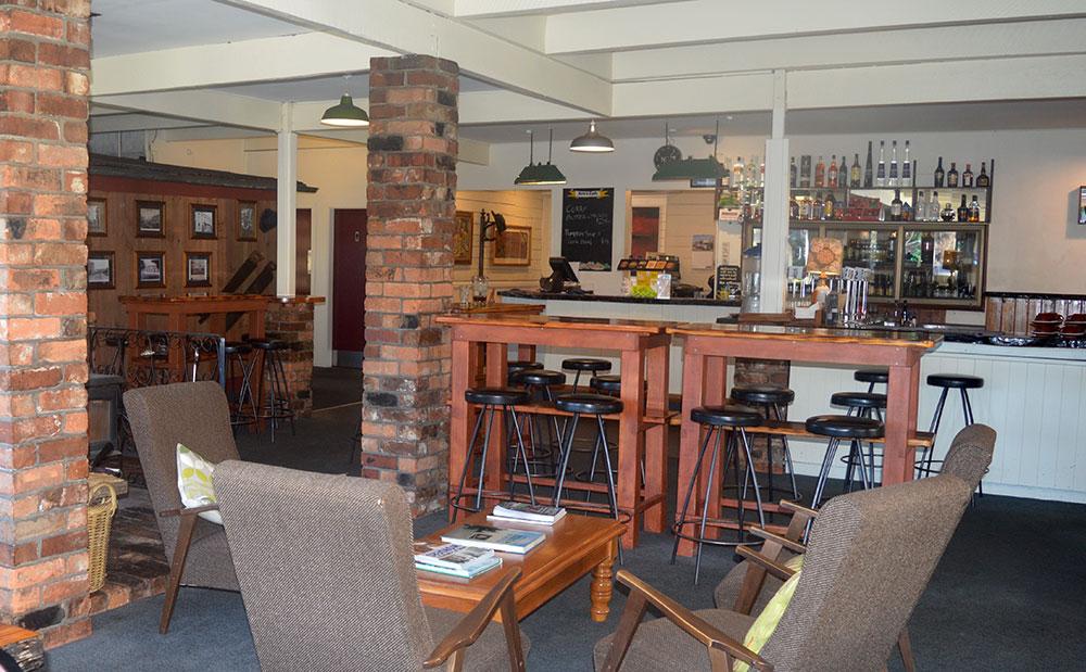 Dawsons Hotel Bar